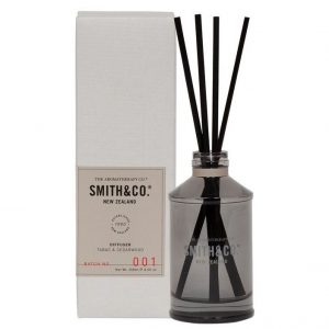 Smith & Co Tabac and Cedarwood fragrance Diffuser